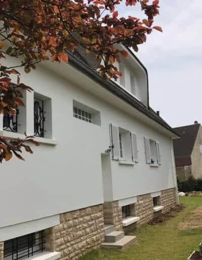 Ravalement d'une maison à Ifs (Caen - Calvados -14) - Façade latérale