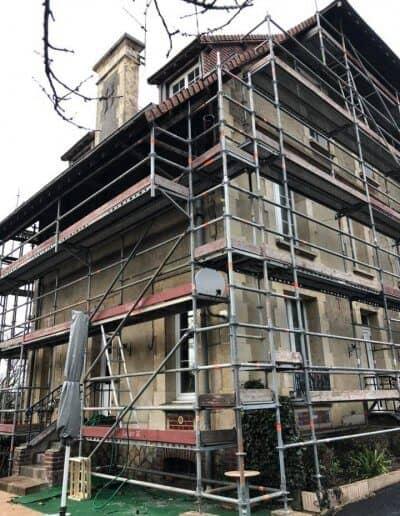 Ravalement d'une grande maison à Colombelles (près de Caen) - Pendant les travaux