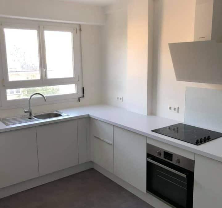 Peintures et Revêtements de sols d'un appartement (Centre ville de Caen)