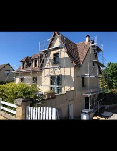 Ravalement taloché sur une maison à Eterville (14)