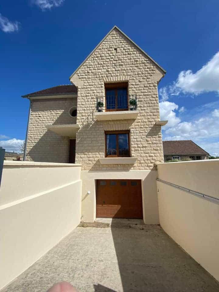 Ravalement façades maison en pierre de Caen